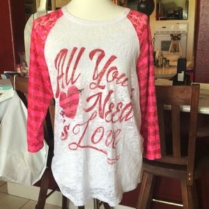 All you need is Love burn out t-shirt